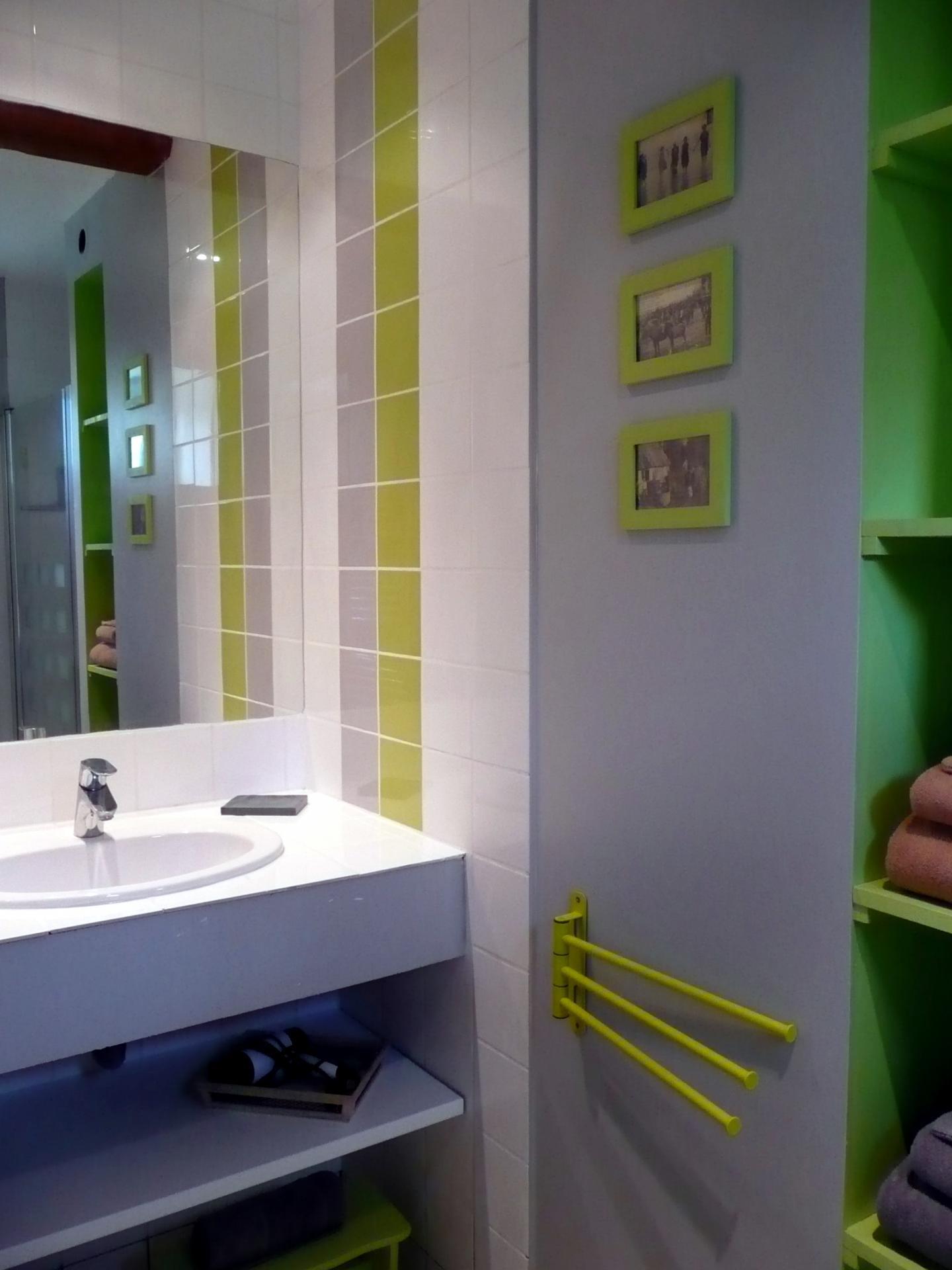 """La salle d'eau """"A l'étable, avec Boudin"""""""