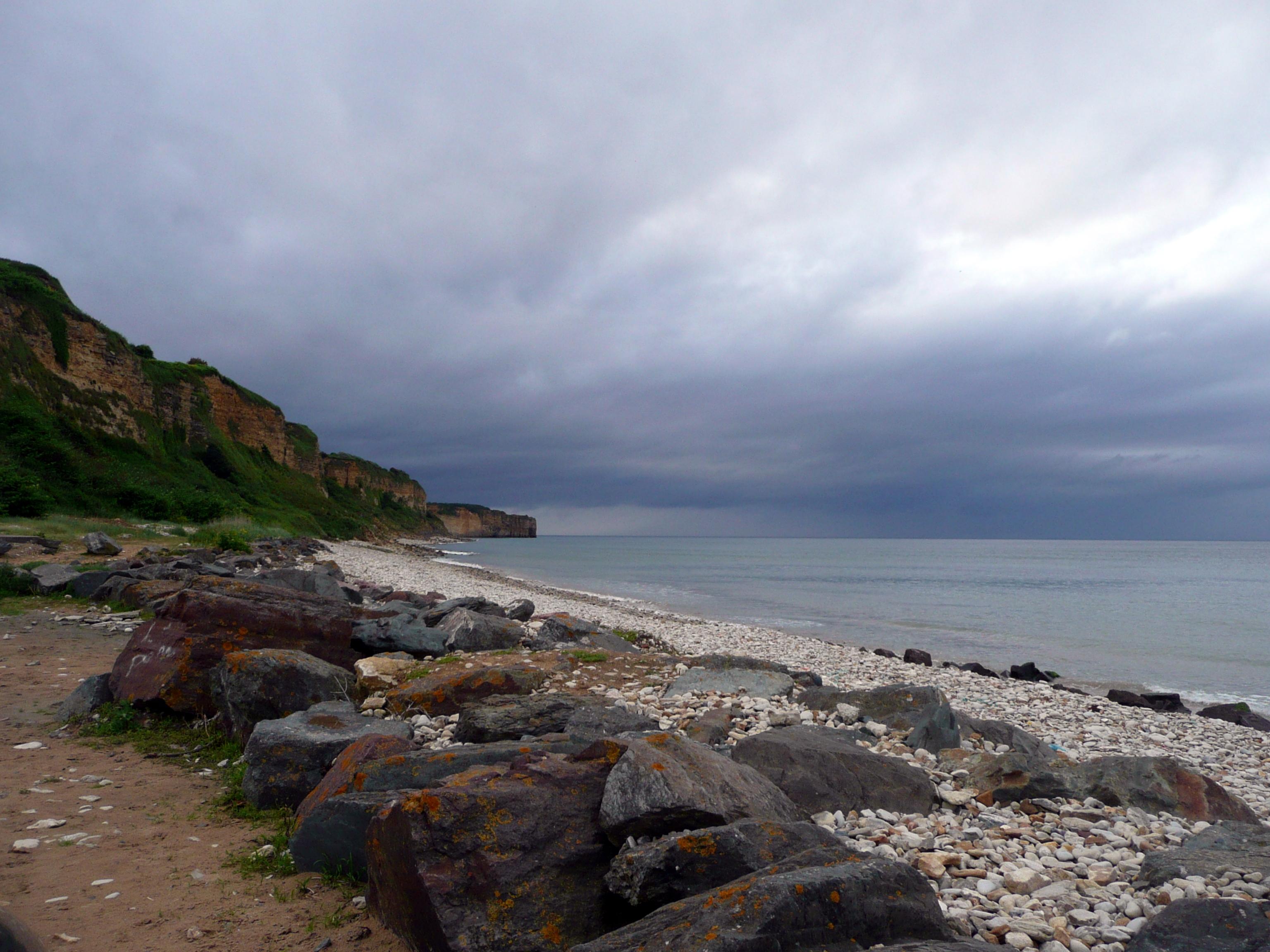 La plage d'Omaha Beach, vers la pointe de Louvières