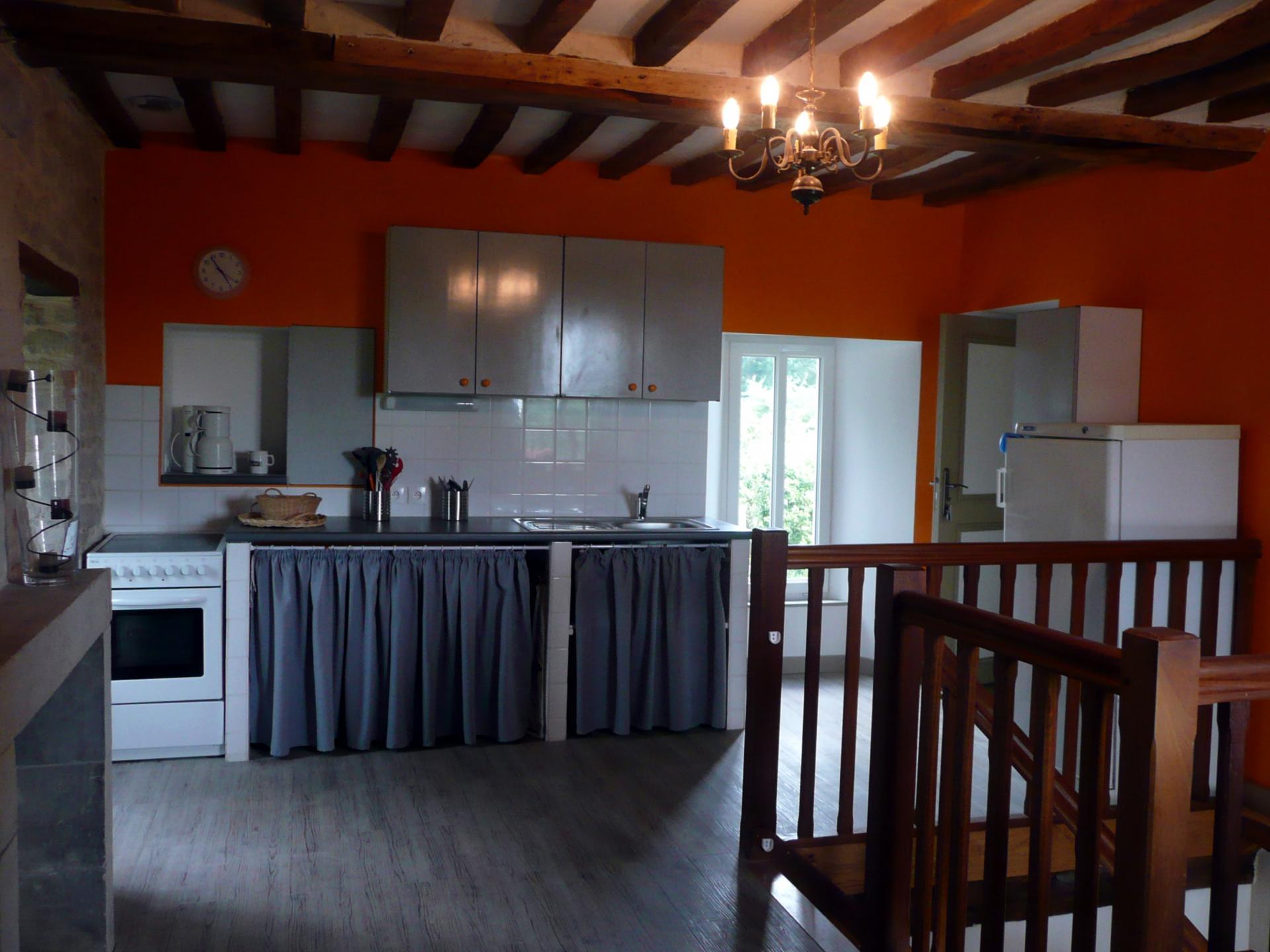 Maison d'hôtes : cuisine et coin repas à disposition
